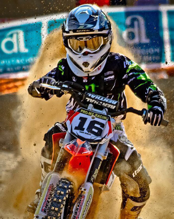 Tienda online especializada en productos para la moto y el piloto